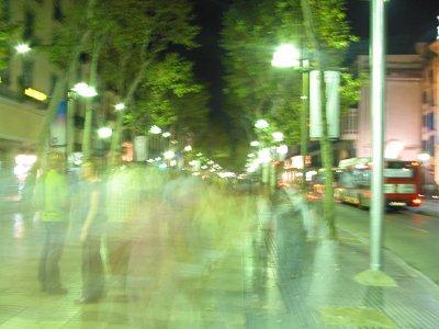 La Rambla žije hlavně v noci