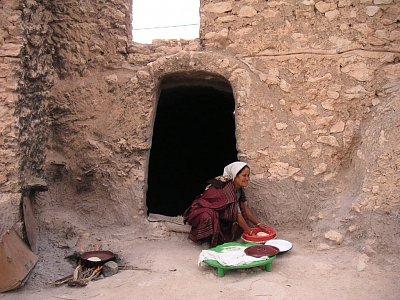 Tunisanka pečící chlebovou placku