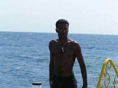 plavčík - dbal pečlivě o naše životy a v době velikých vln nedoporučoval skákat z mola