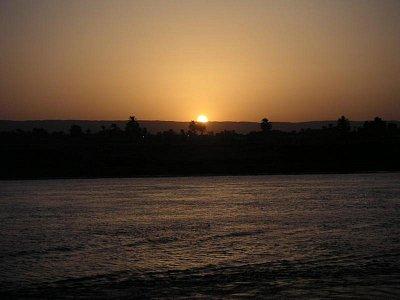 Západ slunce u Nilu (nahrál: admin)