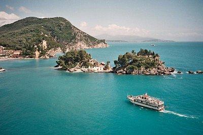 Výletní loď Parga-Paxos - Na Paxos můžete také výletní lodí z Pargy. (nahrál: Libor)