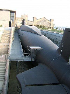 CHERBOURG - První Francouská atomova ponorka.Nyní museum, doporučuji . (nahrál: josef fiala)