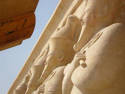 Sochy královny Hatšepsut (nahrál: lovenka13-Bára)