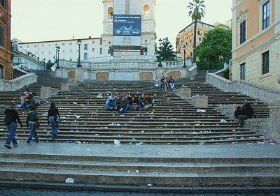 ŘÍM- ŠPANĚLSKÉ SCHODY - 9.9.07 v 8hodin ráno (nahrál: RADOMÍR ČOPÍK)