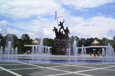 Pomník padlým vojákům (nahrál: admin)