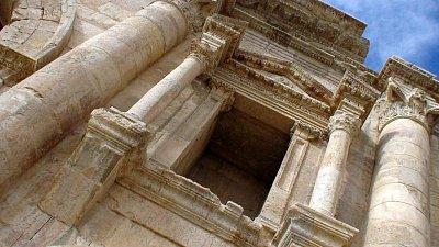 Jerash - Hadrianova brána (nahrál: petras21)