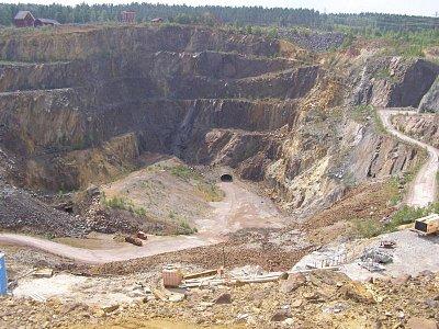 Falun důl - po propadnutí dolu o cca 80m byl důl vytěžen (nahrál: josef Vágner)