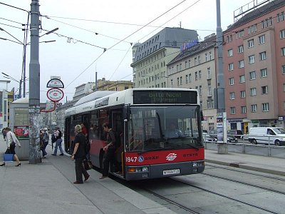 Vídeňská MHD-bus (nahrál: Jechort)
